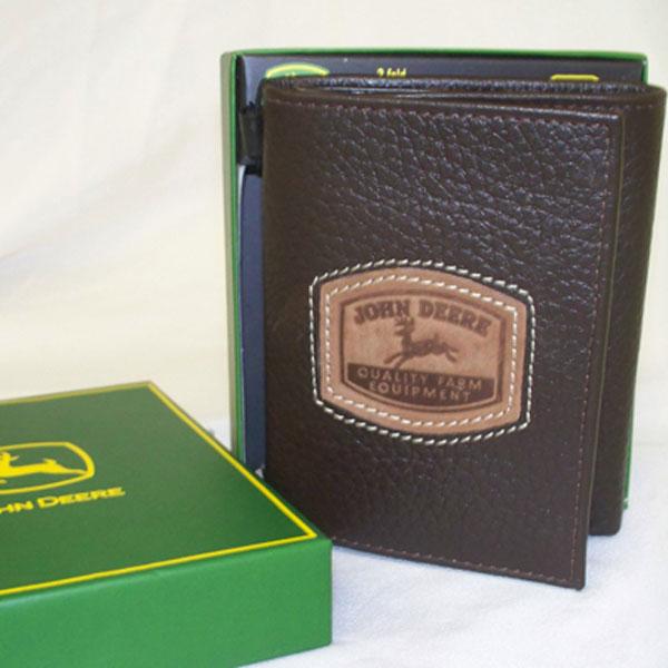John Deere Gifts >> John Deere Tri-Fold Wallet with Historical Logo - 4053000