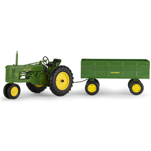 Animated John Deere Tractors And Wagon : John deere scale model tractor with flarebox wagon