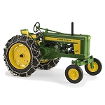 John Deere 1:16 scale Prestige Collection 620 Replica Tractor with Tire Chains - LP64437