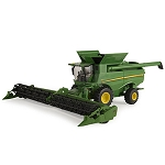 John Deere 1:32 scale S680 Combine Toy - LP64463