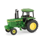 John Deere 1:64 scale 4440 Tractor with FFA Logo - 45683