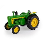 John Deere 1:16 Scale Model 820 Tractor Prestige Collection - 45736
