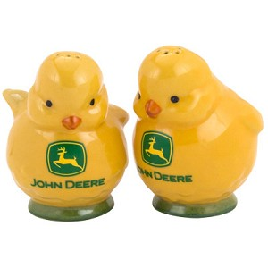 John Deere Chicks Salt and Pepper Shaker Set - 6938