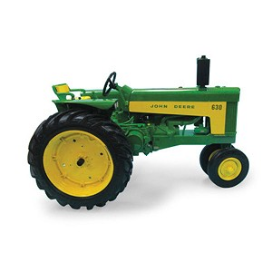 John Deere 1:16 scale Prestige Collection 630 Replica Tractor - 45579