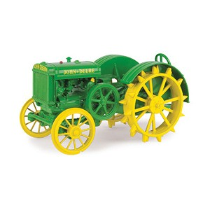 John Deere 1:16 scale Prestige Collection Model D Replica Tractor - 45622